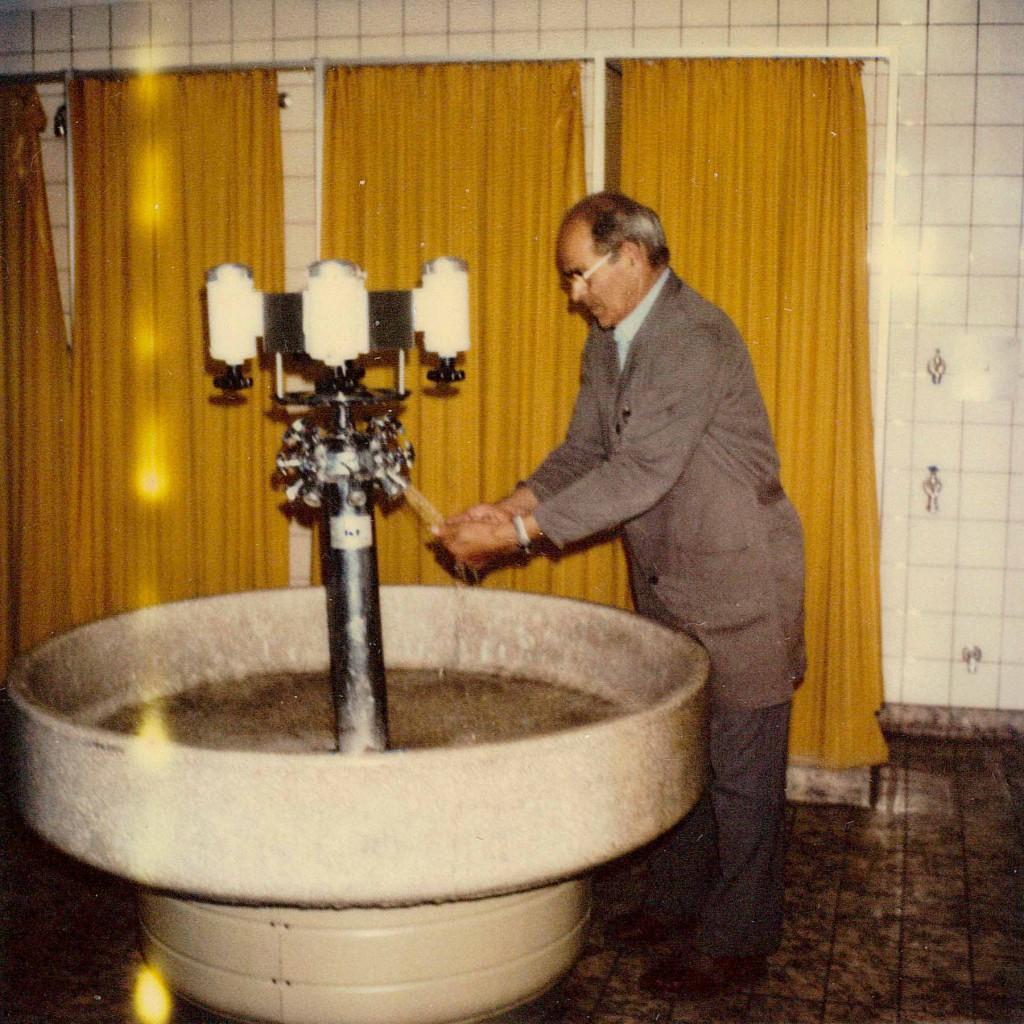 Paulmaier an seinem letzten Arbeitstag in der Firma Weishaupt, 1982.